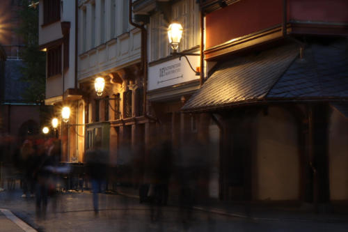 19 Ffm Altstadt-Leben